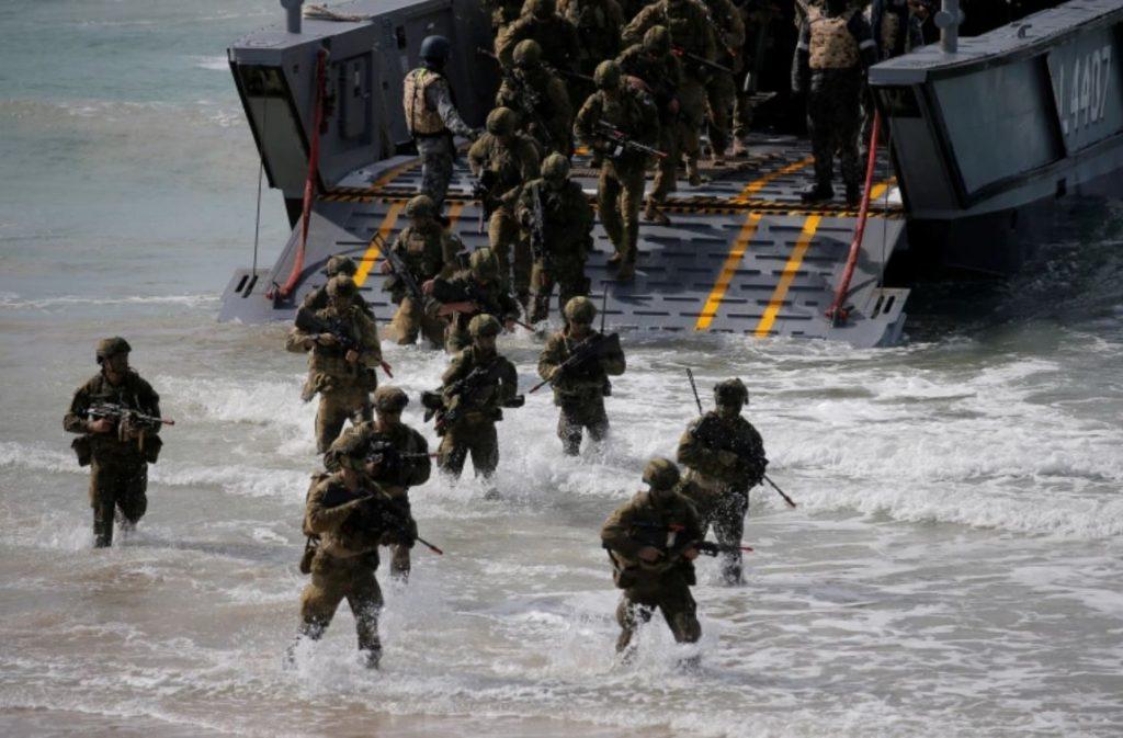 ออสเตรเลียยกระดับ ฐานทัพขยายเกมสงครามกับสหรัฐฯ ออสเตรเลียจะใช้เงิน 580 ล้านดอลลาร์เพื่อสร้างโรงฝึกใหม่และอัพเกรดฐานทัพทางเหนือเพื่อรองรับ
