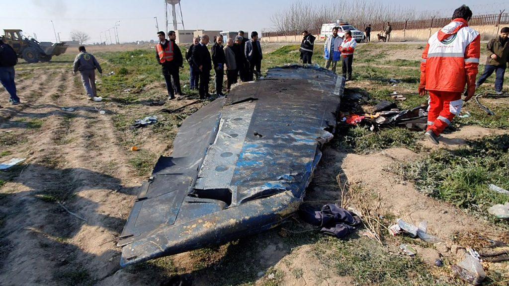 อิ หร่านฟ้องเจ้าหน้าจากการที่เครื่องบินของยูเครนตก อัยการทหารระบุว่ามีบุคคล 10 คนที่ถูกฟ้องในข้อหายิงเครื่องบินซึ่งทำให้มีผู้เสียชีวิตทั้ง 176