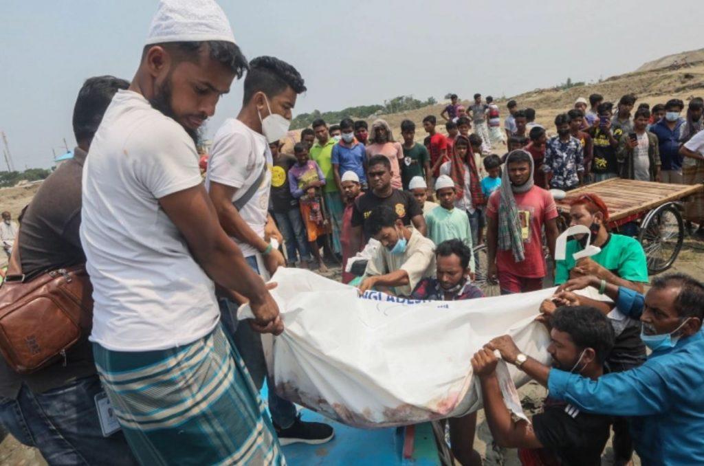 เรือล่มในบังกลาเทศ มีผู้เสียชีวิตอย่างน้อย26คน หลังจากเรือสปีดโบ๊ทที่มีผู้โดยสารชนกับเรือขนส่งทรายในเหตุภัยพิบัติทางทะเลครั้งล่าสุดที่พัดถล่ม