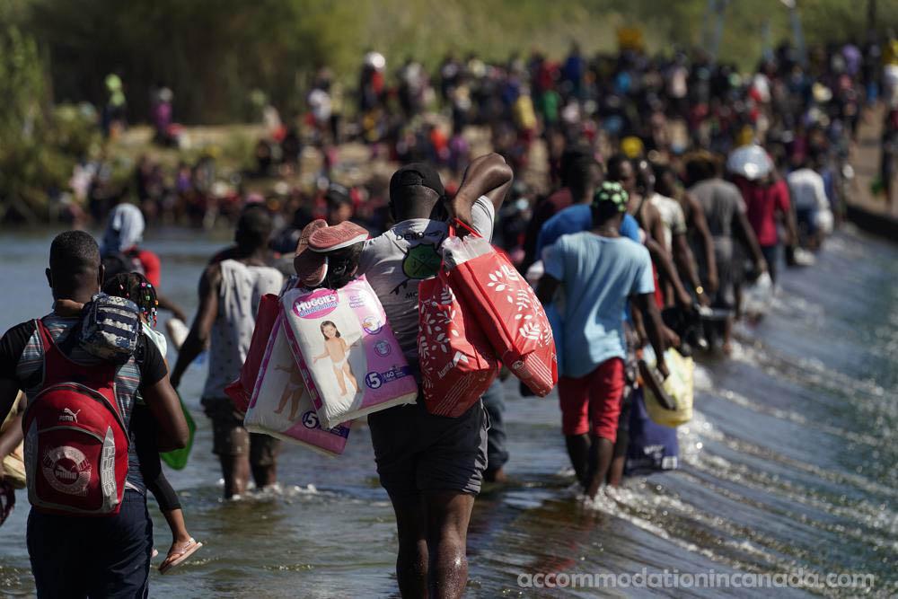 สหรัฐฯขับไล่ ชาวเฮติออกจากชายแดน ฝ่ายบริหารของ Biden วางแผนขับไล่ผู้อพยพชาวเฮติออกจากเมืองชายแดนเล็กๆ แห่งหนึ่งในรัฐเท็กซัส โดยส่งพวกเขาขึ้น